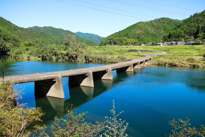 一斗俵沈下橋(四万十町)|四万十川にかかる最古の沈下橋