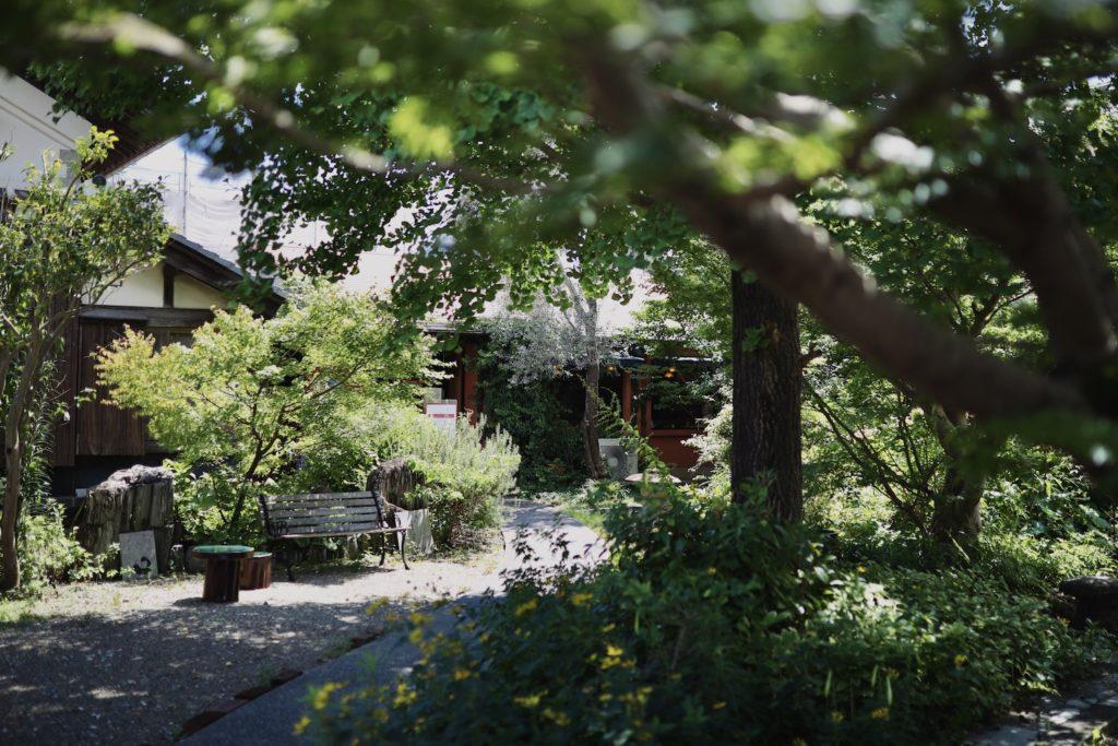 クアットロスタジオー二|高知・土佐山田駅近く、木々に囲まれた隠れ家イタリアン。