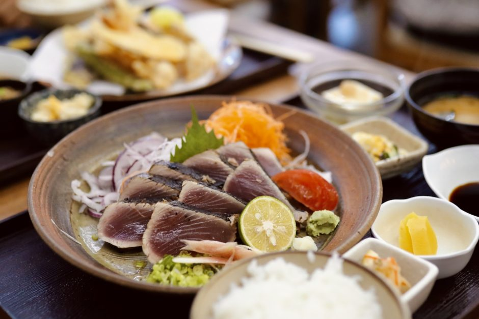 ドライブイン西村食堂 高知の観光名所「桂浜」近く!ご当地グルメが楽しめる市場レストラン。