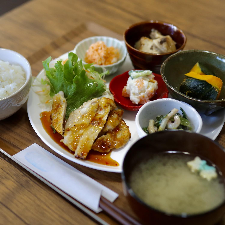食堂スピカ(高知市)|身体に優しいランチとお惣菜